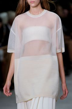 Minimal fashion : Discover more at Lapeewee : lapeewee.com #minimal #collection #fashion #style #lapeewee #highfashion #simplecut