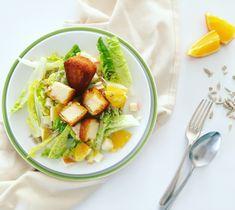 Gyümölcsös téli saláta Aranyfalatokkal