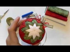 How to make Quilted Christmas Ornaments Christmas Pine Cones, Quilted Christmas Ornaments, Christmas Favors, Christmas Balls, Handmade Christmas, Christmas Crafts, Christmas Decorations, Xmas, Holiday Decor