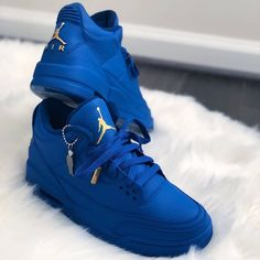 Nike Air Jordan, Air Jordan Sneakers, Blue Sneakers, Jordan 1, Jordan Retro, Shoes Sneakers, Jordan Shoes Girls, Girls Shoes, Jordan Heels