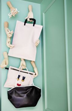 Wall mounted wooden mannequin hands for display Visual Display, Display Design, Store Design, Retail Windows, Exhibition Display, Wooden Hand, Store Displays, Window Design, Retail Design
