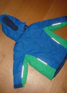 Kaufe meinen Artikel bei #Mamikreisel http://www.mamikreisel.de/kleidung-fur-jungs/jacken/19049083-tchibo-kinder-winterjacke-in-grun-und-blau