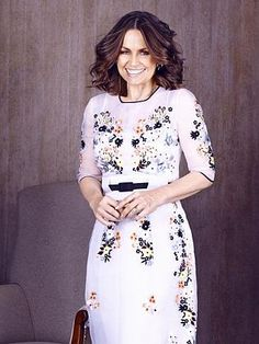Lisa Wilkinson empowers women because she inspires people in social media and journalism Lisa Wilkinson, Fashion Over 40, Women Empowerment, Stylish Outfits, Journalism, Casual, Skirts, Social Media, Inspirational