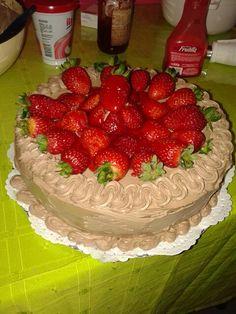 ☆Torta de chocolate y frutillas☆