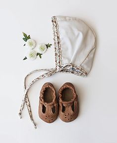 These t-straps are so darling! I can't wait to put them on baby. So many styles and colors to choose from. StarryKnightDesign.com photo @kindred_heart