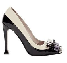 Miu Miu black and white pump. www.misskrizia.com