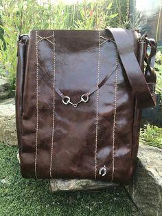 Leren tas met paardenbitje. #leather #leatherbag #handmade #fashion #bags #onlinefashion #equine