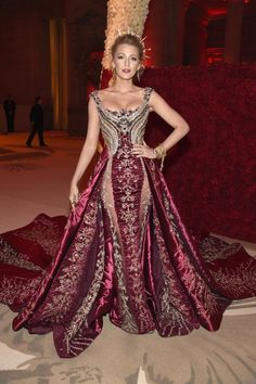 Blake Lively's Met Gala Look Is So Regal, It's Like She's Tr.-Blake Lively's Met Gala Look Is So Regal, It's Like She's Trying to Join the Royal Family Blake Lively at the 2018 Met Gala - Blake Lively Moda, Blake Lively Style, Blake Lively Vogue, Gala Dresses, Red Carpet Dresses, Fall Family Photo Outfits, Family Photos, Mode Inspiration, Fashion Inspiration