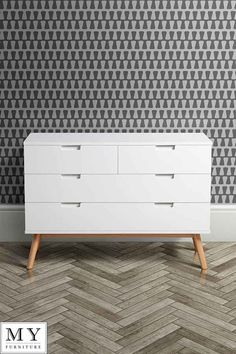 Tretton Retro / Scandi Solid Oak Chest of Drawers