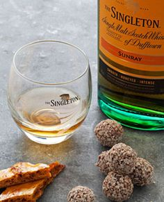 Explore the The Singleton whisky range at Malts. Bringing pleasure from the first sip, this is a striking family of Scotch Whiskies that everyone can enjoy Singleton Whisky, Its A Mans World, Scotch Whisky, Food Pairing, Breakfast, Whiskey, Water, Whisky, Water Water