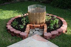 small keyhole garden compost garden vegetable garden design ideas