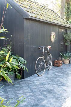 Terrace Tiles, Garden Tiles, Outdoor Tiles, Outdoor Fun, Outdoor Decor, Home Interior Design, Exterior Design, Small Outdoor Spaces, Outside Living