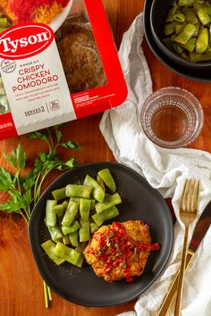 #AD Try the New Tyson® Fully Cooked Dinner and Entrée Kits At Meijer! This one is Crispy Chicken Pomodoro and looks so good! bit.ly/2KUXIh2 via @unsophisticook