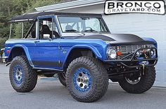 Bronco.... Off Road Ready Old Ford Bronco, Bronco Ii, Early Bronco, Classic Ford Broncos, Classic Bronco, Classic Trucks, Jeep Pickup, Pickup Trucks, Ford Trucks