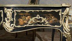 Bureau with Chinese lacquer decoration | Jacques Dubois Pontoise | Musée Jacquemart-André