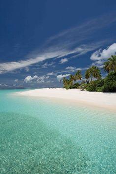 ¿Por qué algunas playas son de arena y otras de piedras? Descubre la respuesta en http://blog.viva-aquaservice.com/2013/07/01/por-que-algunas-playas-son-de-arena-y-otras-de-piedras/