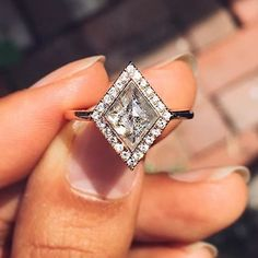 Maggi Simpkins champage diamond ring