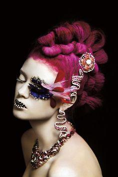 f-l-e-u-r-d-e-l-y-s:  Jewels Vogue Gioiello IT March 2010: A Precious Make-up by Francesco Carrozzini.