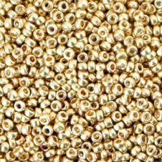 Le perline di conteria Miyuki rappresentano l' espressione massima tra le perline in vetro pressato, tanto da renderle tra le più amate dalle nostre appassionate creatrici di gioielli. Provenienti dal Giappone, sono famose in tutto il mondo per l'eccellente qualità e per la forma omogenea e regolare .