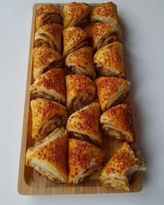 tv - nepisirsem Resources and Information. Pizza Pastry, Savory Pastry, Brunch, Bread And Pastries, Arabic Food, Turkish Recipes, Food To Make, Bakery, Food And Drink