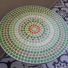 Resultado de imagen para mesa de venecitas Mosaic Art, Mosaic Tiles, Mosaic Designs, Paper Cutting, Beach Mat, Table, Outdoor Blanket, Ceramics, Furniture