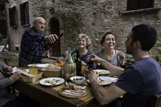 Perugia - Pranzo di famiglia / Perugia – Family lunch // http://www.sensationalumbria.eu/ by Steve McCurry