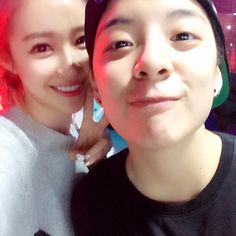crayon pop´s Ellin and f(x)´s Amber