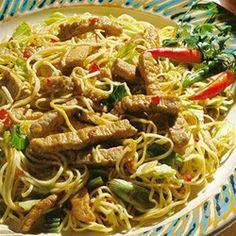 Indonesian Pork Noodle Bowl - #AllstarsSmithfield #Ad