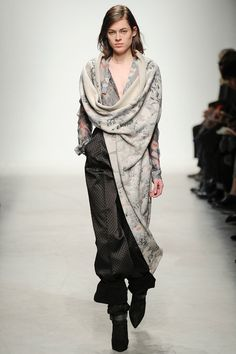 Farb-und Stilberatung mit www.farben-reich.com - Leonard | Fall 2014 Ready-to-Wear Collection | Style.com