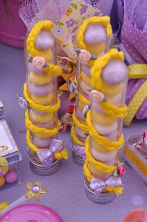 Acuarela: Fiesta Rapunzel de Enredados (Festa Rapunzel de Enrolados)