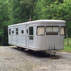 Vintage Camper - Tiny Trailer - Caravan <O>                                                                                                                                                      More