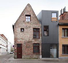Dierendonck Blancke - Gelukstraat house, Ghent 2011. Via, photos (C) Filip Dujardin