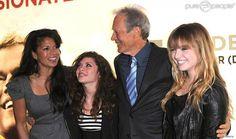 Clint Eastwood, sa femme Dina Ruiz, et ses deux filles Francesca et Morgan; Invictus , à;Odeon de Leicester Square, à Londres, le 31 janvier 2010.
