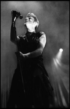 Mid-90s Bowie, in black and white