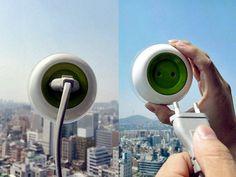 Tomada solar que recarrega aparelhos na janela