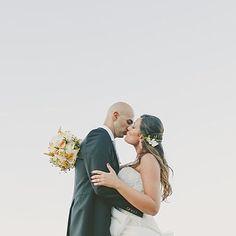 Love!  #sardiniawedding #destinationweddingsardinia #love #summerwedding #elisamoccievents #lamaddalena #outdoorwedding  Photography @antoniopatta