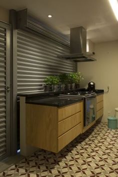 Vitor Penha - industrial chic rústico rustic reuso de design iluminação lightning cozinha kitchen grocery ladrilho hidráulico encaustic tile horta garden