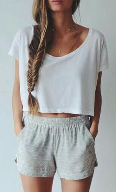 Hairstyles for school teenagers summer outfits 61 ideas Lazy Outfits, Mode Outfits, Casual Outfits, Shorts Outfits For Teens, Spring Outfits, Casual Shoes, Summer Crop Top Outfits, School Outfits, Lazy Day Outfits For Summer