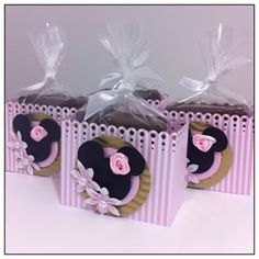 festa minnie rosa lembrancinhas - Pesquisa Google Mini Mouse First Birthday, Birthday Bag, 3rd Birthday Parties, Mimi Y Mickey, Minnie Mouse Theme, Festa Party, Mickey Party, Baby Party, Baby Disney
