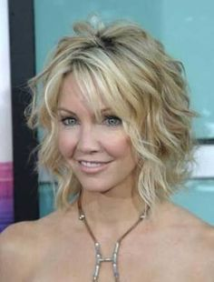 Medium wavy hairstyle summer haircuts for women over 30 40 love messy bobs 2016 google search winobraniefo Gallery