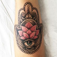 Hamsa (The Hand of Fatima) Tattoo - Meaning & 30 Ideas