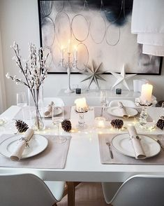 Good evening! Still searching for the perfect tablesetting for Christmas  @finnmarioy kanssa yhteistyössä kehittelen ideoita joulukattaukseen. Täytyy sanoa että tämä pellavainenkin miellyttää silmää tosi paljon. Mukavaa alkanutta viikkoa kaikille!  #tablesetting #collaboration #finnmari #joulukattaus #christmastablesetting  #hem_inspiration #immyandindi #interior123 #interiorstyled #passion4interior #interior4all #interior4you #interior_and_living #etuovisisustus #dream_interiors #putti12...