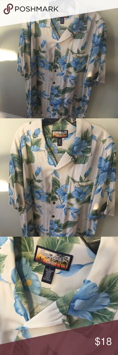 Men's Havana Jacks Cafe Hawaiian 🌺 shirt Never worn and in great condition.Sz L.Quality made Shirt . havana jacks Shirts Casual Button Down Shirts