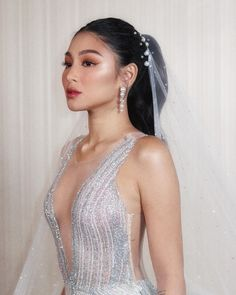 Kapamilya stars Nadine Lustre and Arci Muñoz mastered the art of sexy sophistication as they donned dreamy dresses for a bridal fashion show. Filipino, Nadine Lustre Makeup, Philippine Women, Autumn Wedding, Bridal Make Up, Beautiful Bride, Bridal Style, Makeup Looks, Fashion Show