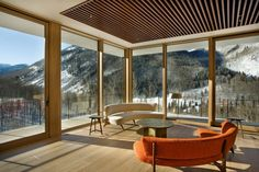 Linear House with spectacular mountain views in Aspen