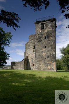 Crookston Castle, Glasgow, Clyde & Ayrshire. The ruin of a unique 15th Century castle altered in later years. #scotland #history #castles