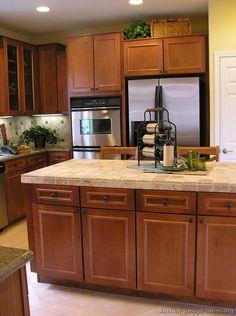 better than granite kitchen countertops – Kitchen cabinets Black Quartz Countertops, Cost Of Granite Countertops, Granite Kitchen, Kitchen Countertops, Kitchen Cabinets, Updated Kitchen, New Kitchen, Kitchen Ideas, Brown Cabinets