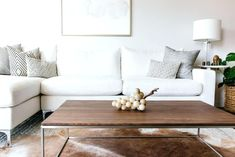 Best Minimalist Living Room Designs That You Check Out Minimalist living room would never go out of trend because of its simple look. Here are the beautiful pictures of minimalist living room designs for you! Modern Minimalist Living Room, Minimalist Decor, Modern Room, Modern Living, Bedroom Furniture Design, Home Decor Bedroom, Boho Living Room, Living Room Decor, Living Rooms