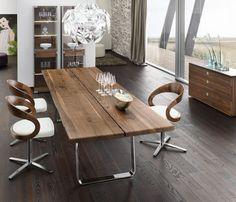 Drewniany stół do jadalni, nowoczesna jadalnia, drewniany design. Zobacz więcej na: https://www.homify.pl/katalogi-inspiracji/12931/drewniane-stoly-do-jadalni