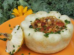 Faszerowane patisony to fajny pomysł na letnie i jesienne obiadki :) Przepis na patisony z wegetariańskim farszem.